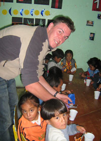 San Roque - Children Volunteering in Quito